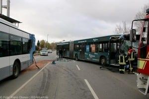 Unfall Gelenkbusse Linienbus Ulm 30102017 12
