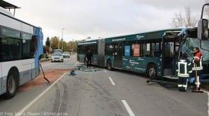 Unfall Gelenkbusse Linienbus Ulm 30102017 13