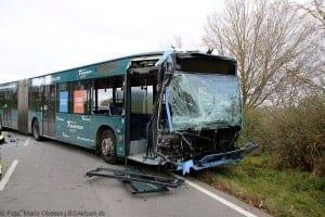Unfall Gelenkbusse Linienbus Ulm 30102017 14