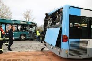Unfall Gelenkbusse Linienbus Ulm 30102017 4