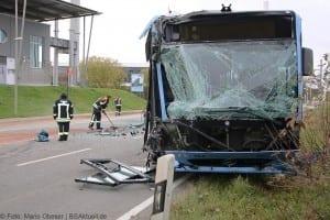 Unfall Gelenkbusse Linienbus Ulm 30102017 8