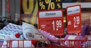 Sonderangebote in einem Supermarkt