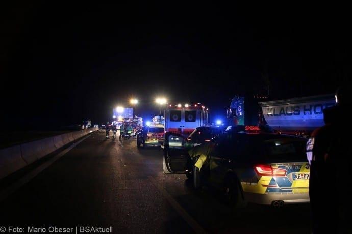 Unfall A8 bei Leipheim 24112017 1