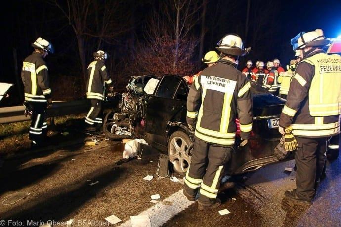 Unfall-A8-bei-Leipheim-24112017-10