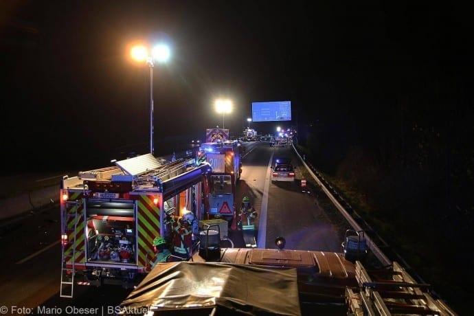 Unfall A8 bei Leipheim 24112017 13