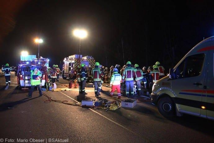 Unfall A8 bei Leipheim 24112017 2