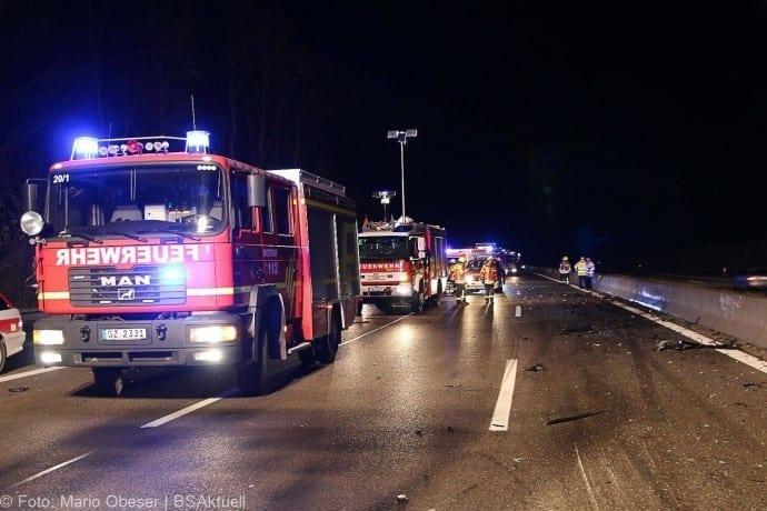 Unfall A8 bei Leipheim 24112017 4