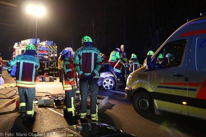 Unfall A8 bei Leipheim 24112017 7