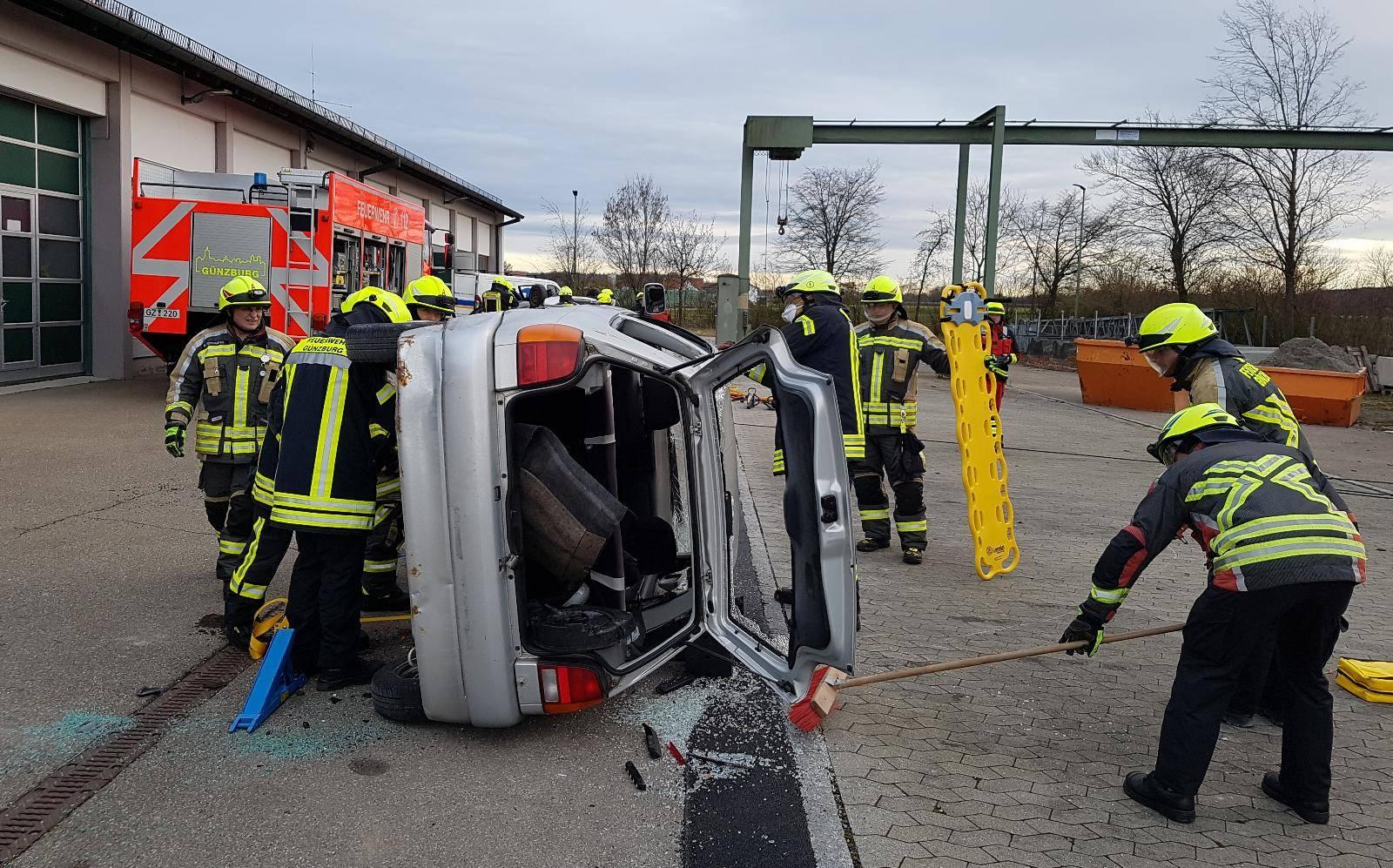 Ausbildung Feuerwehr Guenzburg 01