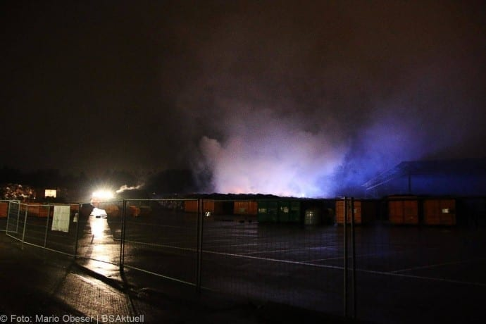Brand Deffingen Wertstoffhof 21122017 1