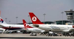 Flugzeuge am Flughafen Istanbul-Atatürk