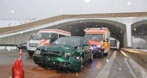 Unfall A8 Burgau-Zusmarshausen mit 10 Verletzten 28122017 9