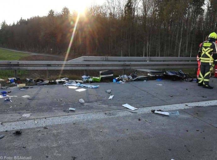 Unfall A8 Kreis Guenzburg 07122017 5