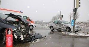 Unfall B16 Kreuzung Deffingen-Denzingen 28122017 3
