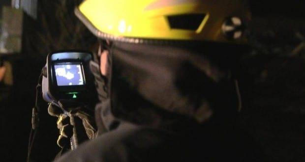 Waermebildkamera Feuerwehrmann
