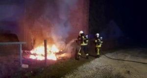 Feuerwehr Wertingen Brand Wohnwagen
