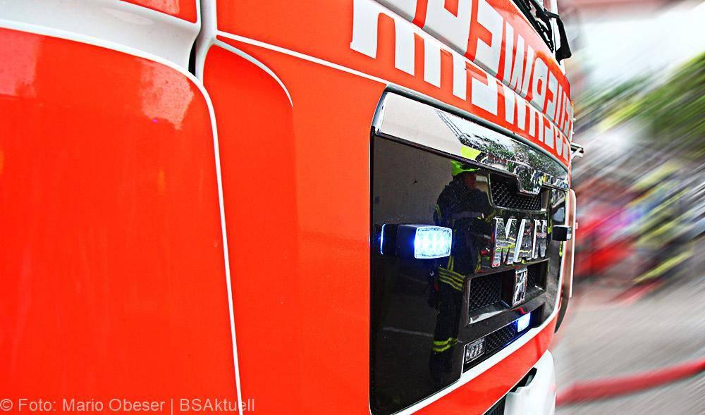 Feuerwehrfahrzeug mit Frontblitzer