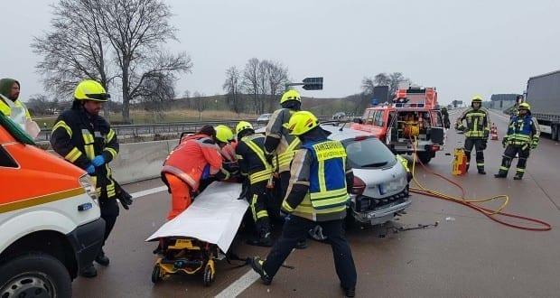 Unfall A8 Burgau 22032018 1