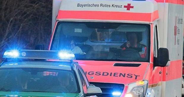 Polizeiauto und Rettungswagen