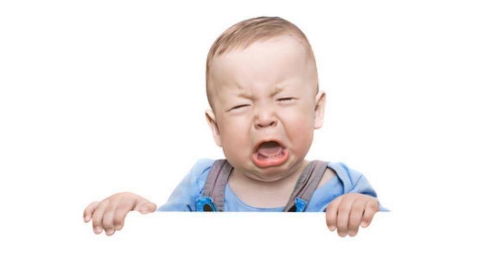 Kind traurig weint