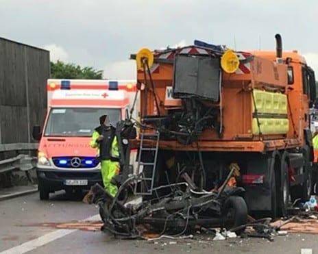 Unfall A8 Burgau-Guenzburg Sicherungsanhaenger 2
