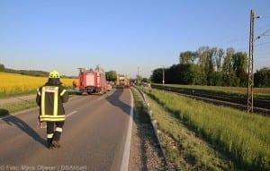 Unfall Pkw ueberschlagen zug beschaedigt Mindelaltheim 07052018 14