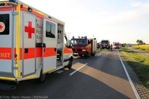 Unfall Pkw ueberschlagen zug beschaedigt Mindelaltheim 07052018 9