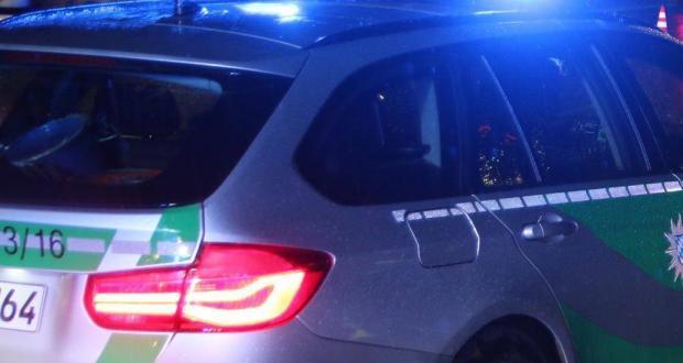 Polizeifahrzeug Nacht