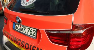 Notarztfahrzeug Heck Feuerwehrfahrzeug