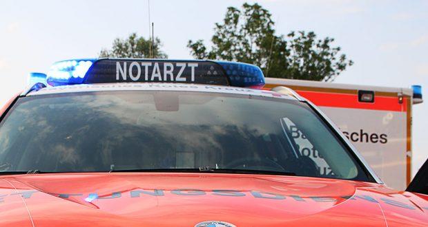 Notarztfahrzeug und Rettungswagen Blaulichtbalken