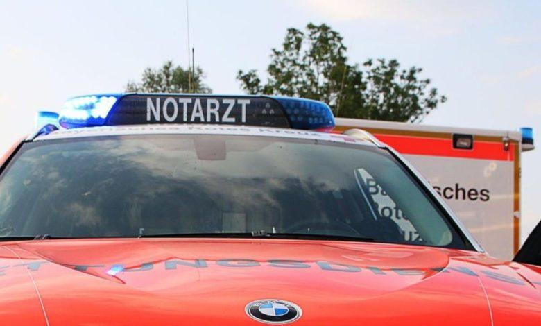 Notarztfahrzeug und Rettungswagen Frontblitzer