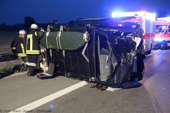 Unfall A8 Leipheim-Guenzburg Wohnwagengespann 29072018 18