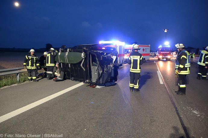 Unfall A8 Leipheim-Guenzburg Wohnwagengespann 29072018 7