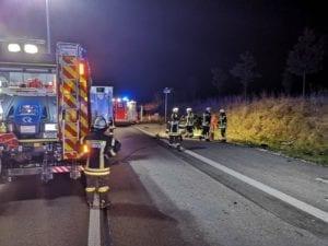 Autobahn 8 Sattelzug kracht in Unfallstelle bei Leipheim 4