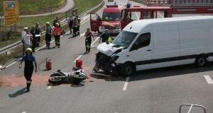 Unfall Burtenbach ST2025 Motorradfahrer Transporter 04082018 7