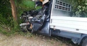 Wertingen Unfall Pritschenwagen LKW 1