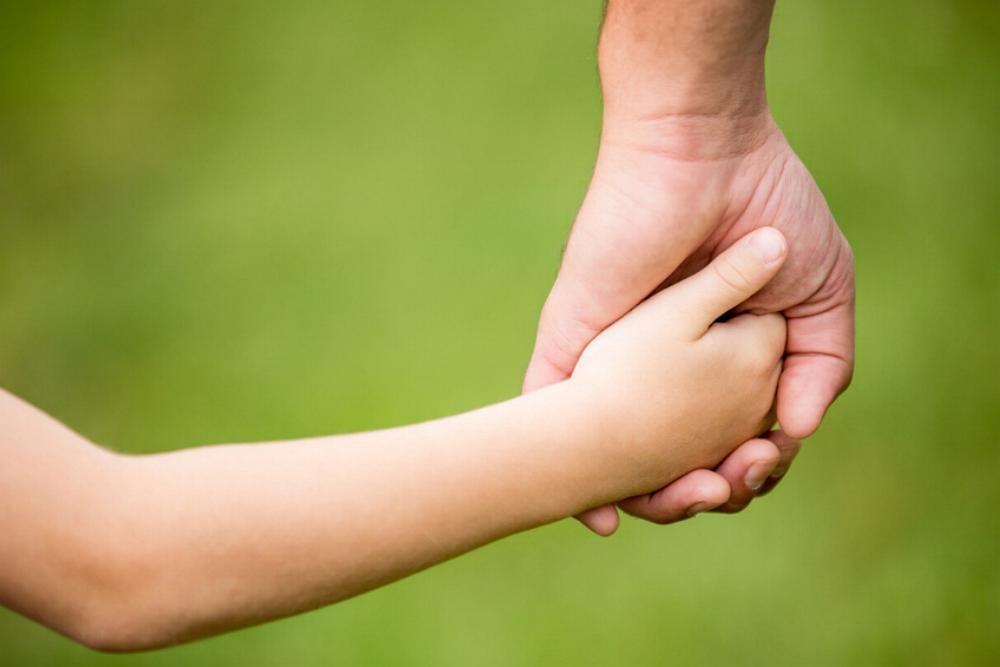 Hand halten Kinderhand