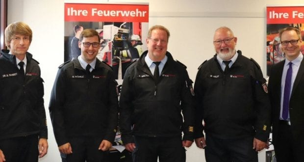 Neu-Ulm Feuerwehr Verabschiedung und Bestellungen LRA Neu-Ulm