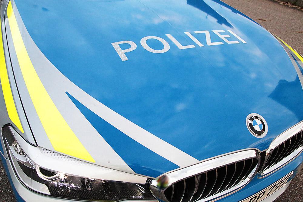 Polizeifahrzeug Motorhaube