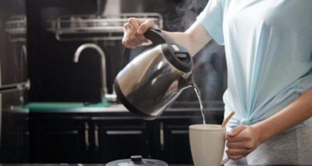 Wasserkocher Tasse