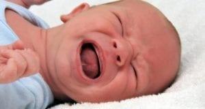 Baby weint Säugling