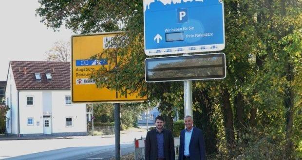 Günzburg Parkleitsystem Willkommenstafel Pfarrhofplatz