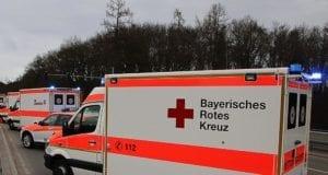 Mehrere Rettungswagen Notarzt