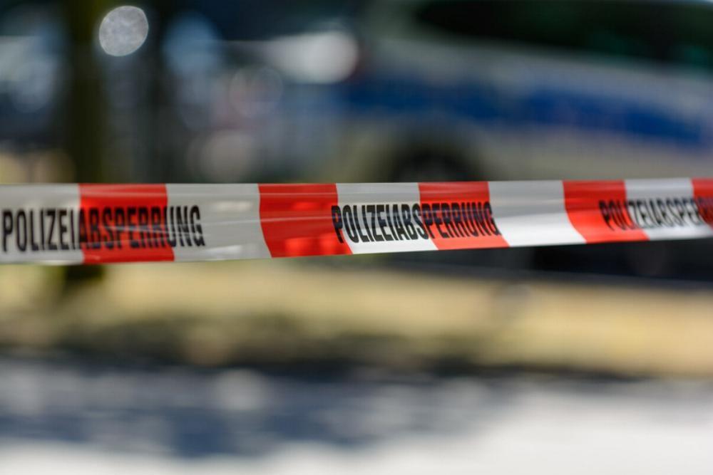 Polizeiabsperrung Absperrband