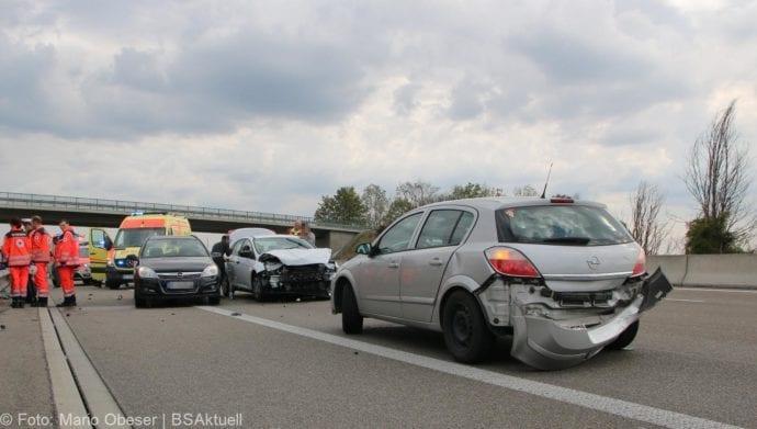 Unfall A8 nache AK Elchingen 07102018 1