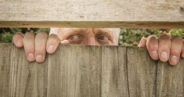Mann Nachbar Nachbarschaftsstreit