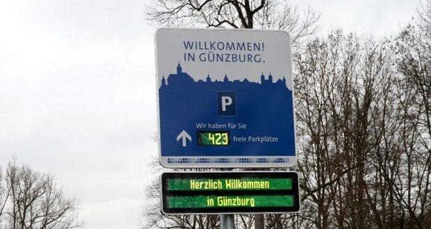 Parkleitsystem Willkommenstafel_Donaubrücke