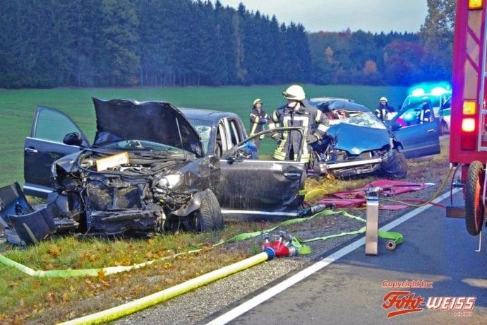Unfall B16 Krumbach 08112018 1