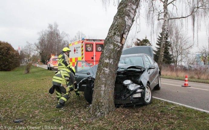 Günzburg Heidenheimer Strasse Unfall 30122018 2