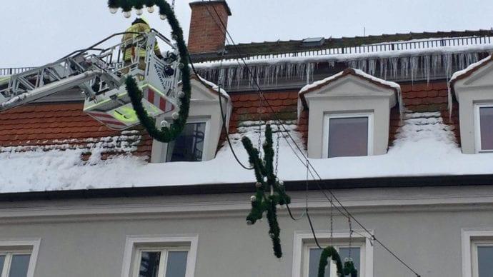 Die Freiwillige Feuerwehr Ichenhausen wurde am 12.01.2019, in der Mittagszeit, in die Marktstraße alarmiert.